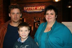 Moritz mit seiner Mutter und dem Hip-Hopper Flo Bauer